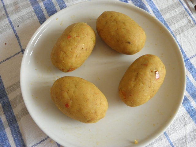 Egg stuffed potato balls