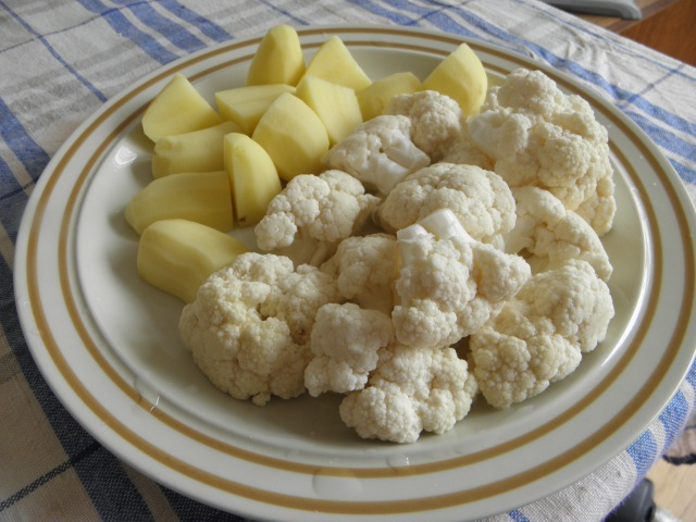 Potato & Cauliflower pieces