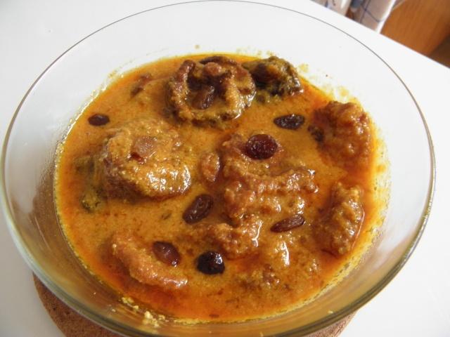 """""""Chanar kalia""""or Cheese ball curry"""