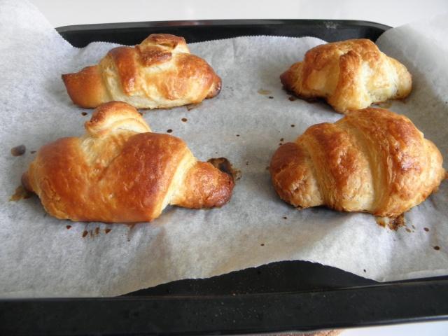 Tinny croissants