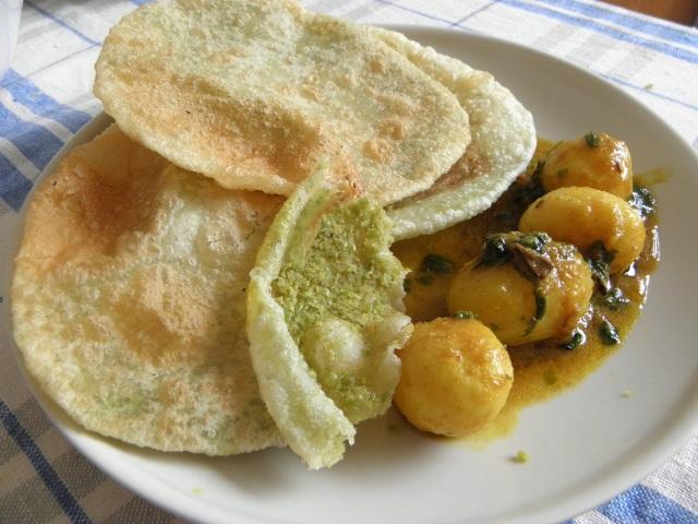 Karaisutir Kochuri/Peas Puri with Aloor dum