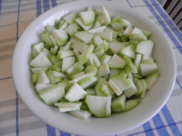 Small and thin slices of Ridge Gourd