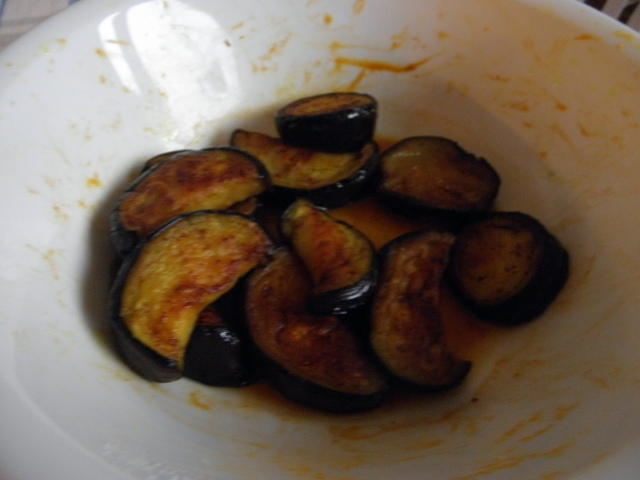 Fried brinjal pieces