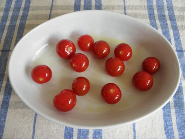 Cherry tomatoes are ready to go into the oven