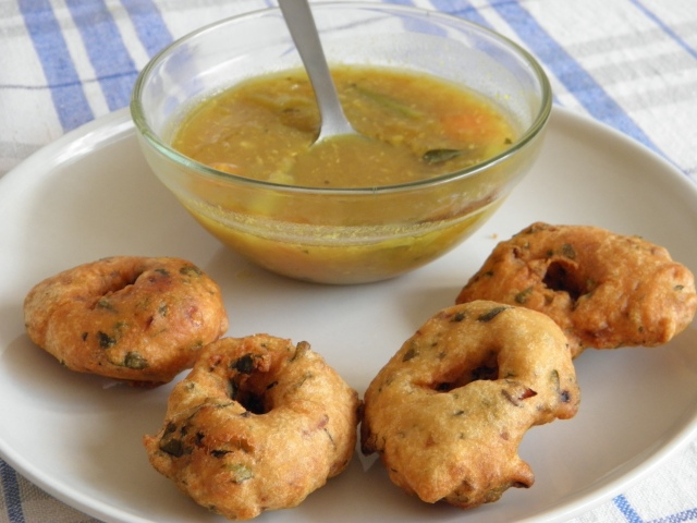 Medu vada with Sambar
