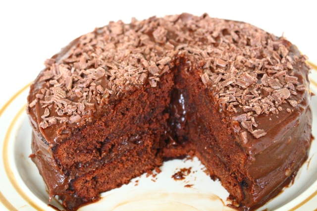 Tempting Chocolate Fudge Cake