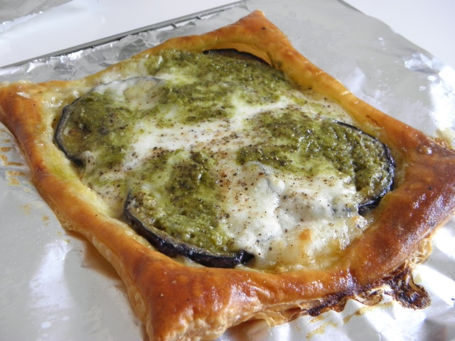 Aubergine & Pesto tartlet