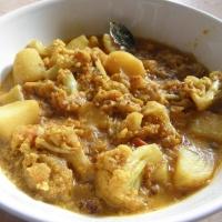 Fulkopi-Alur dalna/Cauliflower & Potato curry