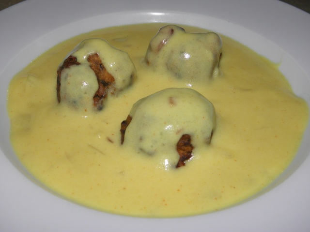 Kadhi with Spinach pakora