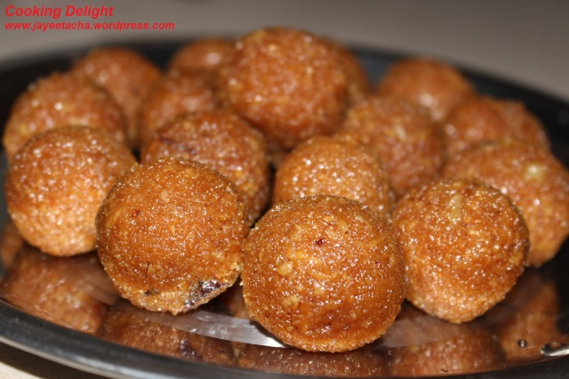 Gurher Naru or Coconut Laddu with Jaggery