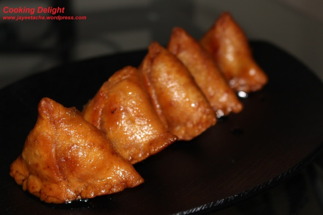 Mawa Samosa is ready to be served