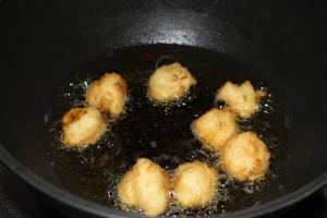 Frying the vadas