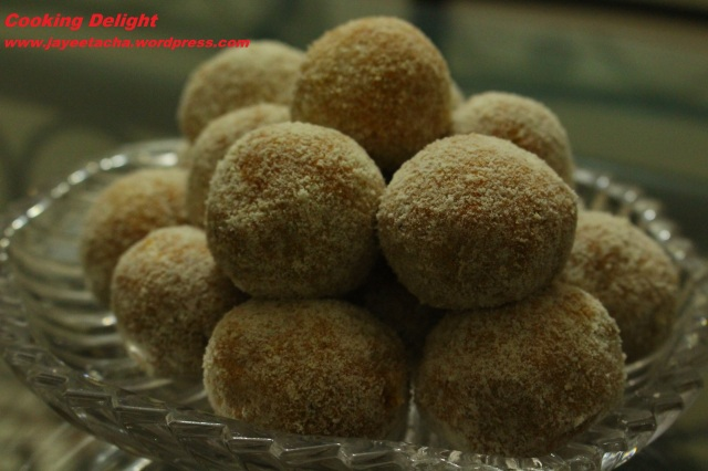 Carrot Coconut Laddu