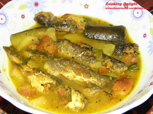 Tangra Macher Jhol/ Tangra fish in Light Gravy